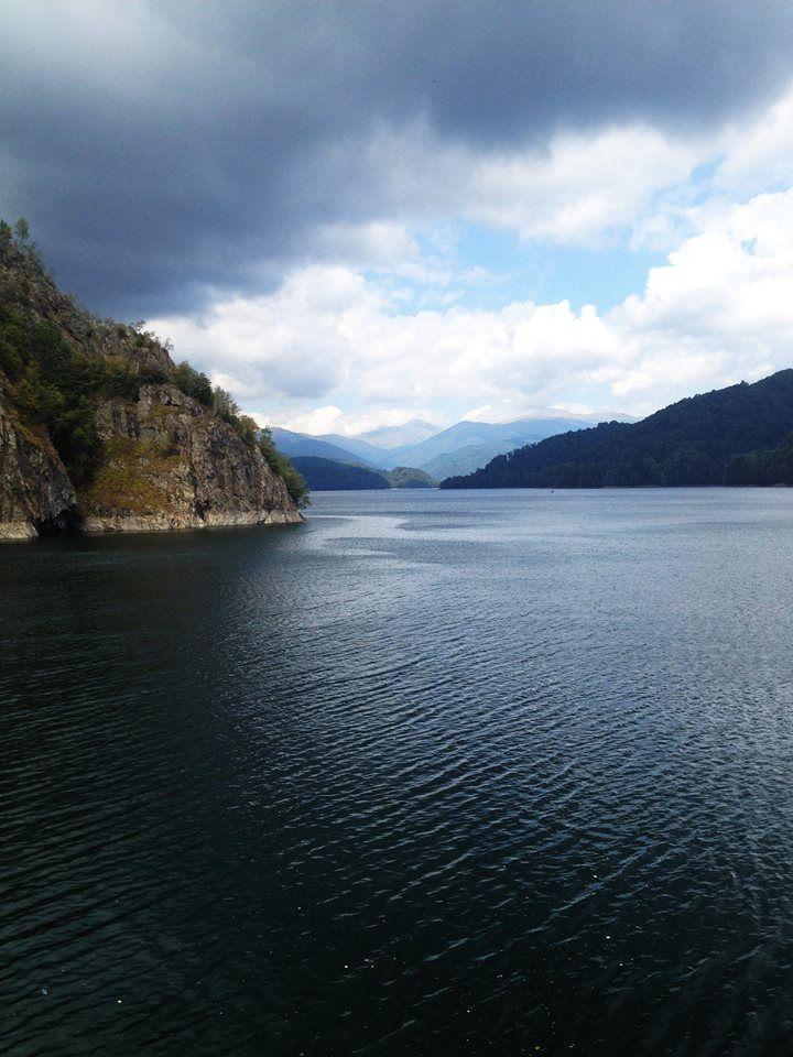 Vidraru Lake, Romania. #dam #vidraru #romania #Transfagarasan