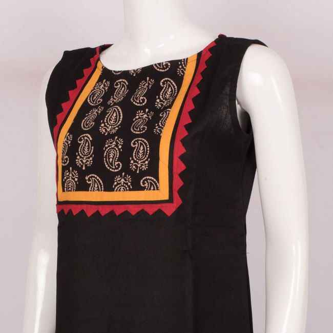 Hand Crafted Black Sleeveless Cotton Kurta With Block Prints 10013638 - AVISHYA.COM