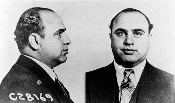 Аль Капоне полное имя: Альфонсо Габриэль Капоне кличка: «Большой Аль» место рождения: Бруклин, Нью-Йорк США