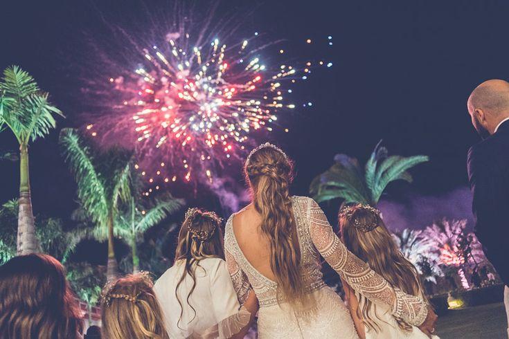Fire works wedding Fuegos artificiales en una boda