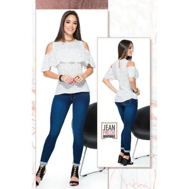 Reposting @bluebells_ec: luce distinta !! blusa color blanca tallas S M L #siempreguapas #siemprealamoda #blusas #tendencia #moda #love #look #lookdodia #style #modafeminina #estilo #instafashion #instagood #ootd #cute #glamour #offshoulder #outfit #fashionista #linda #lindo #beautiful #tendencia #chic #fiesta #top