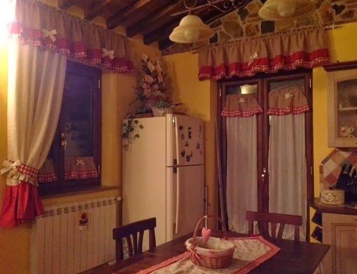 Oltre 1000 idee su tende della cucina rosse su pinterest - Tende rustiche per cucina ...
