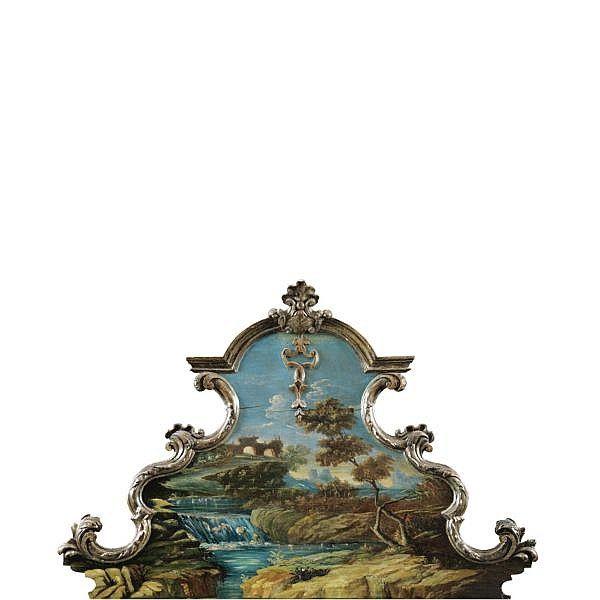 Testiera di letto in legno intagliato, dipinto e dorato Fire