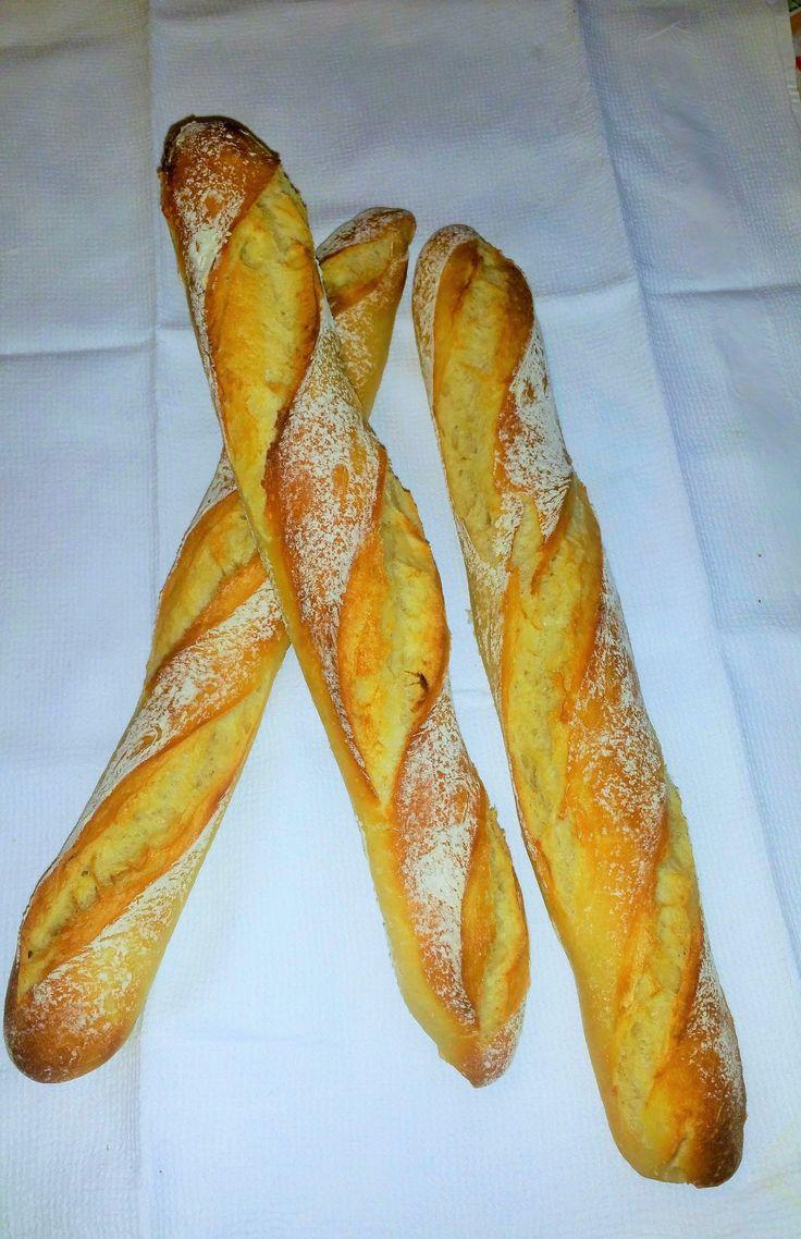 Si vous suivez mon blog vous devez savoir que j'adore «boulanger», que ce soit les pains ou les brioches je me passionne pour ce domaine et je n'achète quasiment…
