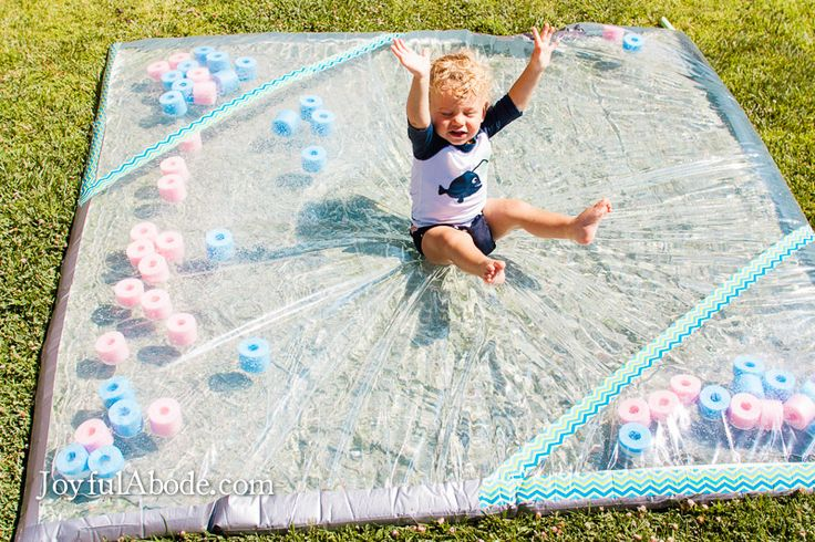 Je veux jouer!! - Beat the Summer Heat with a DIY Cool Water Pad
