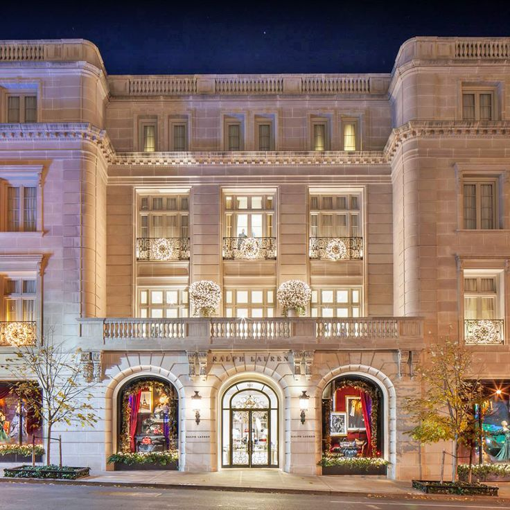 Over a year ago Ralph Lauren opened a luxurious store on New York's Madison Avenue, which stands as the feminine counterpart to the historic Rhinelander Mansion dedicated to men's fashi…