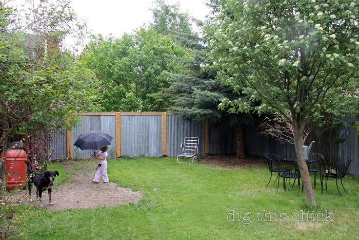 how to build a corrugated metal privacy fence