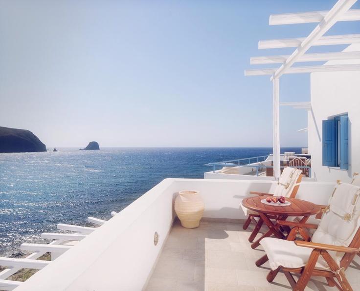 http://www.melian.gr/rooms-suites-milos.php
