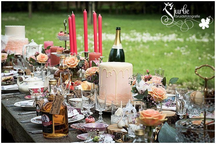 #coxdesign #styledshoot #vintage #schinvelderhoeve #sjurliefotografie #doubleface #peach #lace # biejdetant #enjoyfeestballonshop #entertainmentcompany #outdoors #orchid #pink #pastel #rose #lilyofthevalley #grey #white #jacquetje #loveliciouscakes #ottelien #bridemaid #flowergirl #cute #sweet #bruid #bride #groom #bruidegom #bruidsmeisje #spitze #kant #bruidsjurk #trouwen #wedding #kopenschotel #zuidlimburg #jezalermaarwonen #orchidee #leliederdalen #orchidee #roos #roze #bruidsboeket…