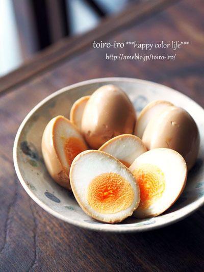 子供たちが大好きな味玉子。夜仕込んで、朝食べる!が定番^^ゆで卵を作るときは、玉子は常温に戻してから。このほうが割れにくいです。鍋にかぶるくらいの水を入れて、…