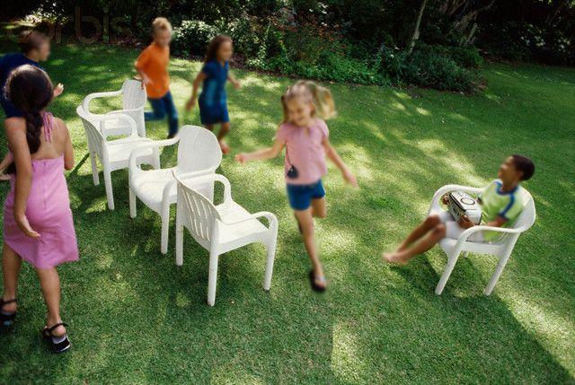 15 juegos de animación para tus fiestas infantiles - juego de la silla