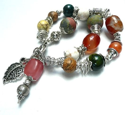 Boho chic. Bracelet of colorful minerals and decorative elements of bali type // Boho chic. Bransoletka z minerałów i bali