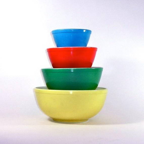 Vintage Kitchen Bowls: Rare 1940s Vintage Pyrex Primary Mixing Bowl Set Of Four