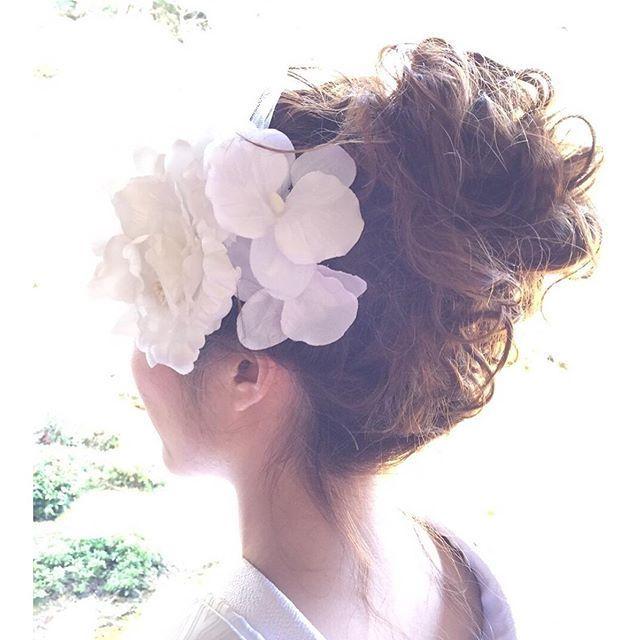 1000+ идей на тему: 打ち掛け в Pinterest | 和装, ウェディング 和 и ... 今やブライダルシーンの定番となった 「洋髪スタイル」 にも、その