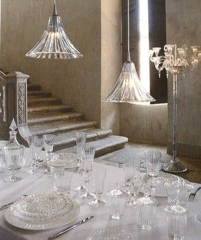 Shopping for style and holiday entertaining with art glass designs