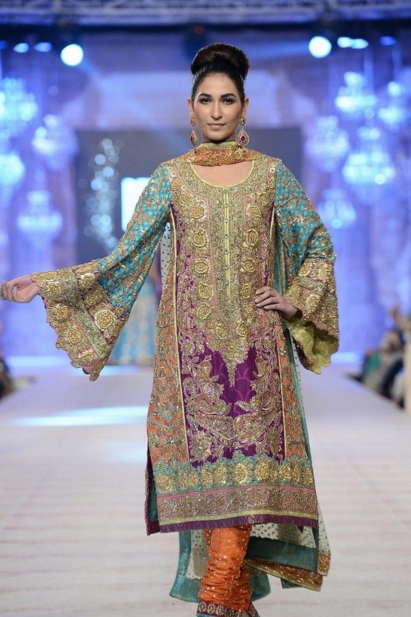 Nomi Ansari is a great name in fashion world, now he launched new awesome and fabulous new bridal collection named Gul Collection which is full of stylish.