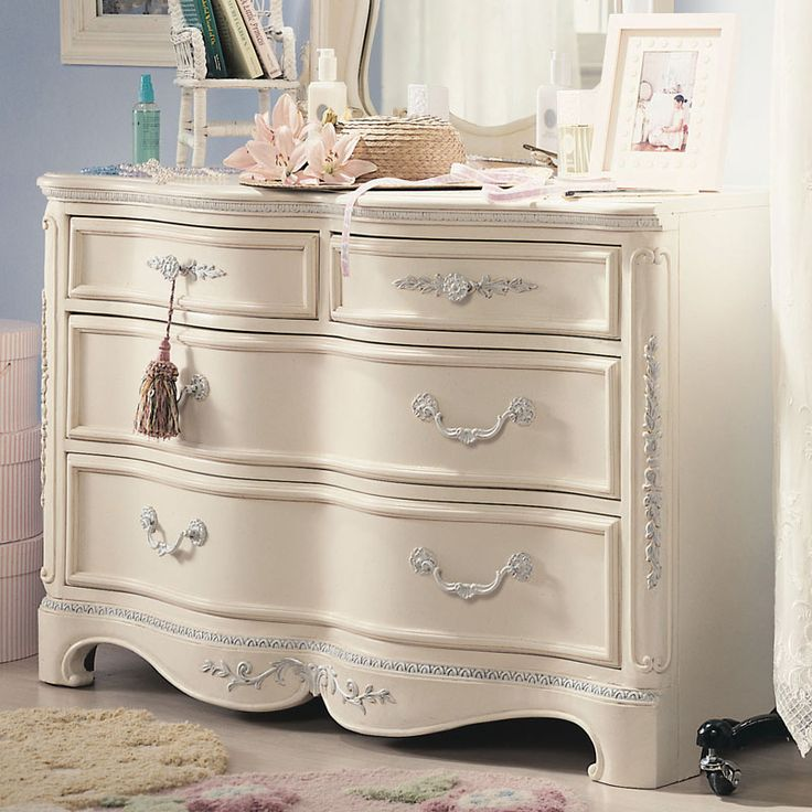 LEA Childrens Furniture Romance Four Drawer Dresser