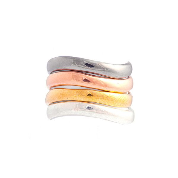 Groove Rings Groove $15 V Nunes Groove Rings make the perfect gift for the holidays. Stackable curvy rings that will complement your look at any occasion. They come in sterling silver, pink gold plated, yellow gold plated and black rhodium plated. Free shipping to US and Brazil on orders over $100 until Dec 1st. Use code 'free_over100' at the checkout Os anéis Groove fazem o presente perfeito para o fim do ano. Anéis curvos e empilháveis que vão complementar o seu visual em qualquer ocasião…