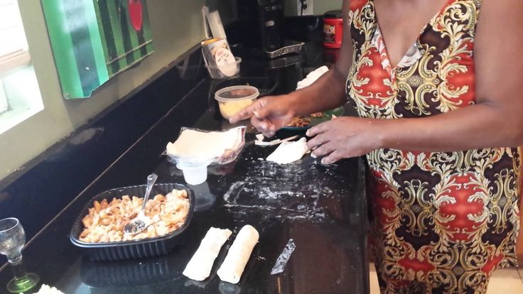 The Egg Rolls from Auntie Fee | This is actually a really good idea for leftovers. Maybe not the healthiest, but it looks delicious.