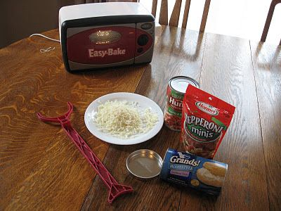 Easy Bake Oven Pizzas, plus a paper pizza craft.