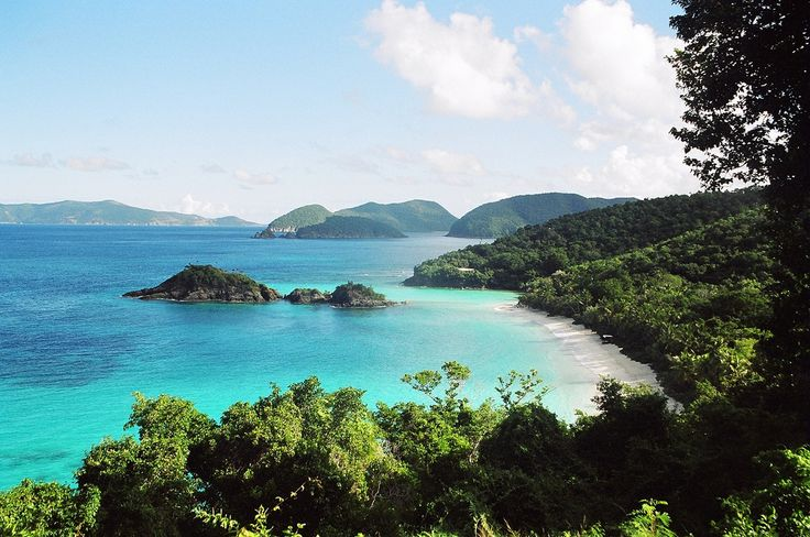 ILHAS DAS CAROLINAS (ILHAS JOHN, BALD HEAD E HILTON HEAD) Tendo a Ilha Bald Head como a mais conhecida, esses locais ficam próximas aos estados Carolina do Norte e do Sul, nos Estados Unidos.