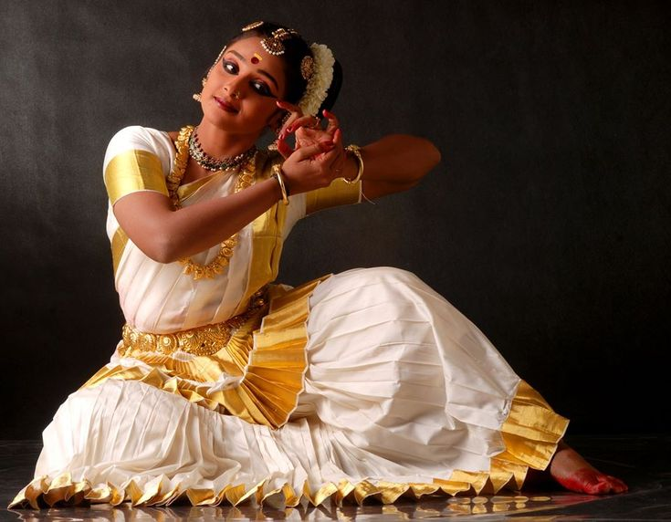 Mohiniyattam dancer Vidya Pradeep