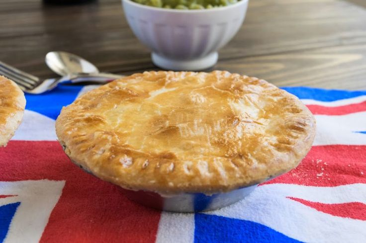 Minced beef and onion pies