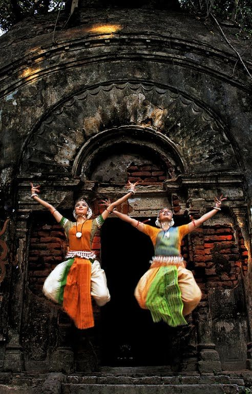 The  8  Indian Classical Dance styles: 1. Bharatanatyam (Tamil Nadu).  2.  Kathak (North India). 3.  Kathakali  (Kerala). 4. Kuchipudi (Andhra Pradesh). 5. Manipuri (Manipur). 6.  Mohiniyattam (Kerala). 7. Odissi (Orissa), and 8. Sattriya (Assam).