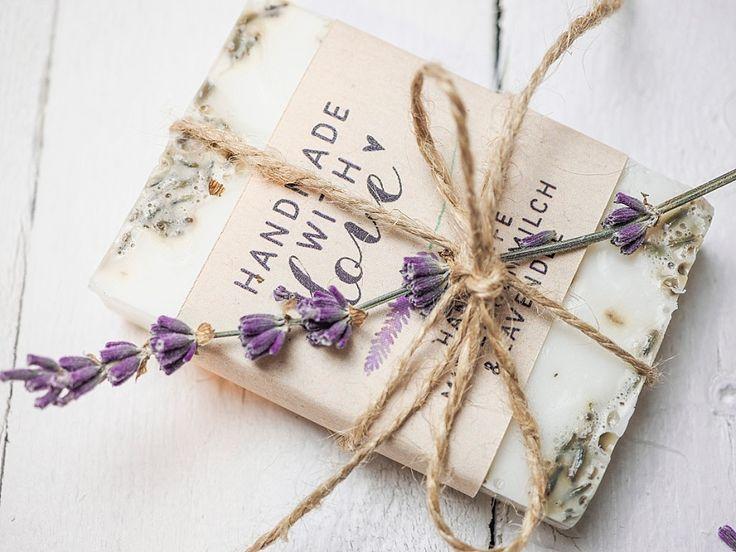 DIY Gastgeschenk für Hochzeit: Lavendelseife selber machen