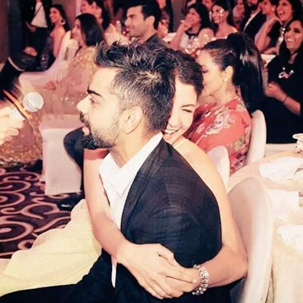 Virat Kohli-Anushka Sharma Cute Moment At Vogue Beauty Awards 2015