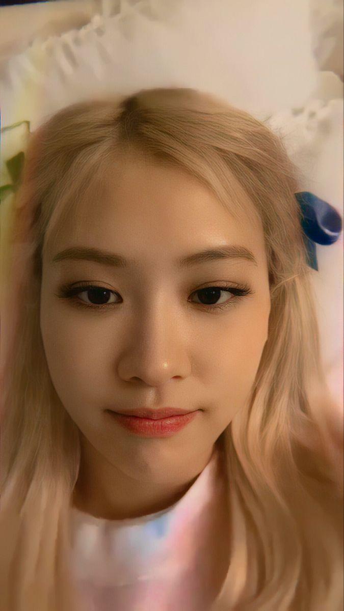 روزي | Rose | Gaya rambut putri, Seni wajah, Orang cantik