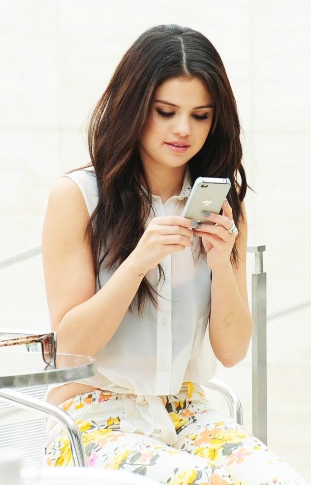 Selena Gomez!!!!!!!!!!!!!!!!!!!!!!!!! ok                                                                                                                                                      Más