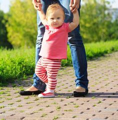 We went through the AAP and APMA recommendations to find the right baby shoes for your early walker.
