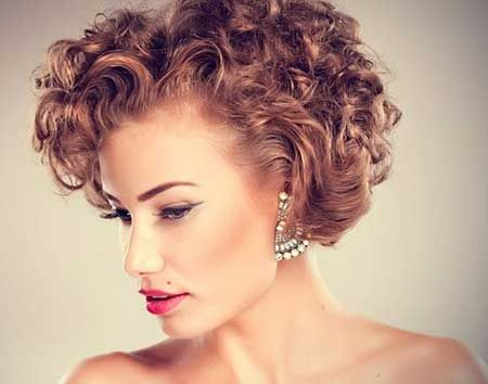 25 Wedding Hairstyles for Short Hair Ravishingly Attractive Curly Copper Blonde Bob Hair: Charming and Lovely Indeed!