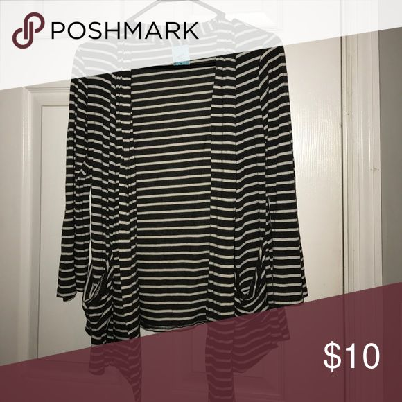 ⬇️$18 Cardigan Grey and white striped Sweaters Cardigans