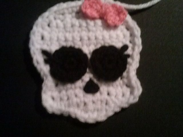 Ravelry: Skull Pattern (Monster High Inspired) pattern by Natasha Barill - Homemade Treasures #crochet
