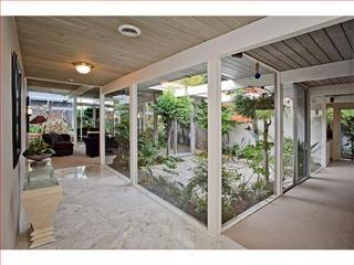 Atrium designs for homes - Home design