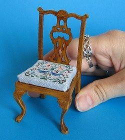 Miniature needlepoint tutorial - A miniature needlepoint design on a chair seat