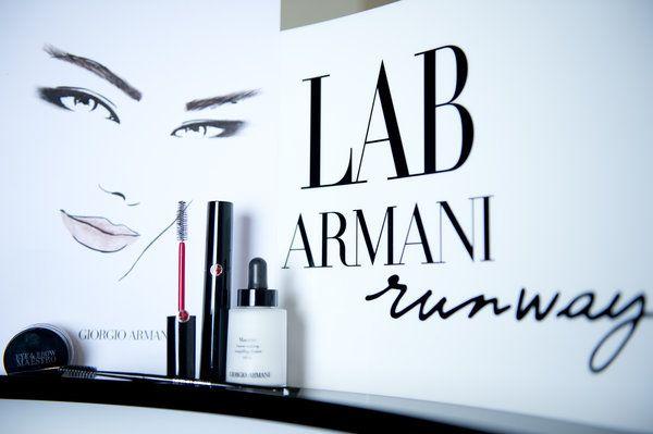 Для показа Giorgio Armani Haute Couture Линда Кантелло накрасила моделям веки, брови и даже губы всего одним продуктом