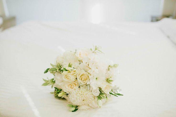 White seasonal wedding flowers