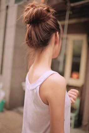 Top Knot: Beautiful, Messy Buns, Girls Hairstyles, Hair Style, Top Knot, Big Bun, Tops Knot, Hair Buns, High Bun