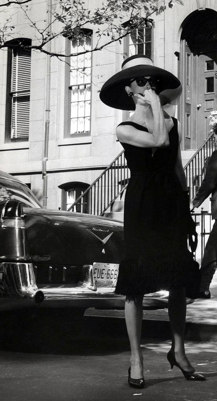 Audrey Hepburn in kitten heels. Still looks stylish - I am sick of torturing my feet.