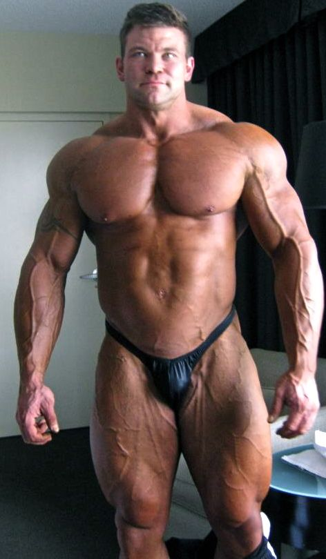 See the muscle and you can tell how hard he fucks his wife 5