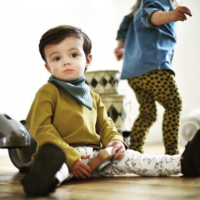 Hope your weekend is as chilled as Albert looks here! Shop the look now online while stocks last. Photo by @clairebrookesphotography #albieandsebastian #shopthelook #trendytots #ochre #crownprint #babyfashion #babyfashionista #babyleggings #toddlerlife #toddlerfashion #letthembelittle #littleandbrave #candidchildhood #kidsofinstagram #fashionkids #unisexfashion #unisexfashionbrand #kidsclothing #ontrendkids #ontrendkidsfashion #onlinechildrensboutique #handmadeintheuk #madebymums