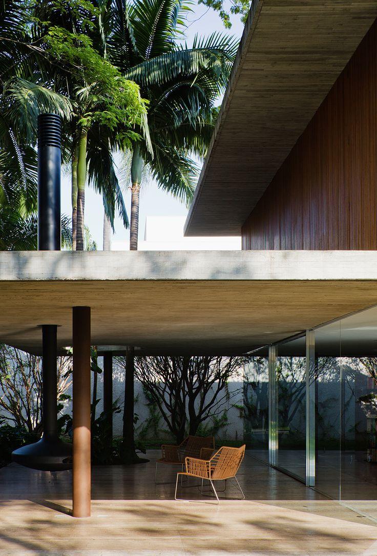 Galería de Casa Toblerone / Studio MK27 - Marcio Kogan + Diana Radomysler - 25 | Patios, Jardines y Terrazas | Pinterest | Architecture, House and House design