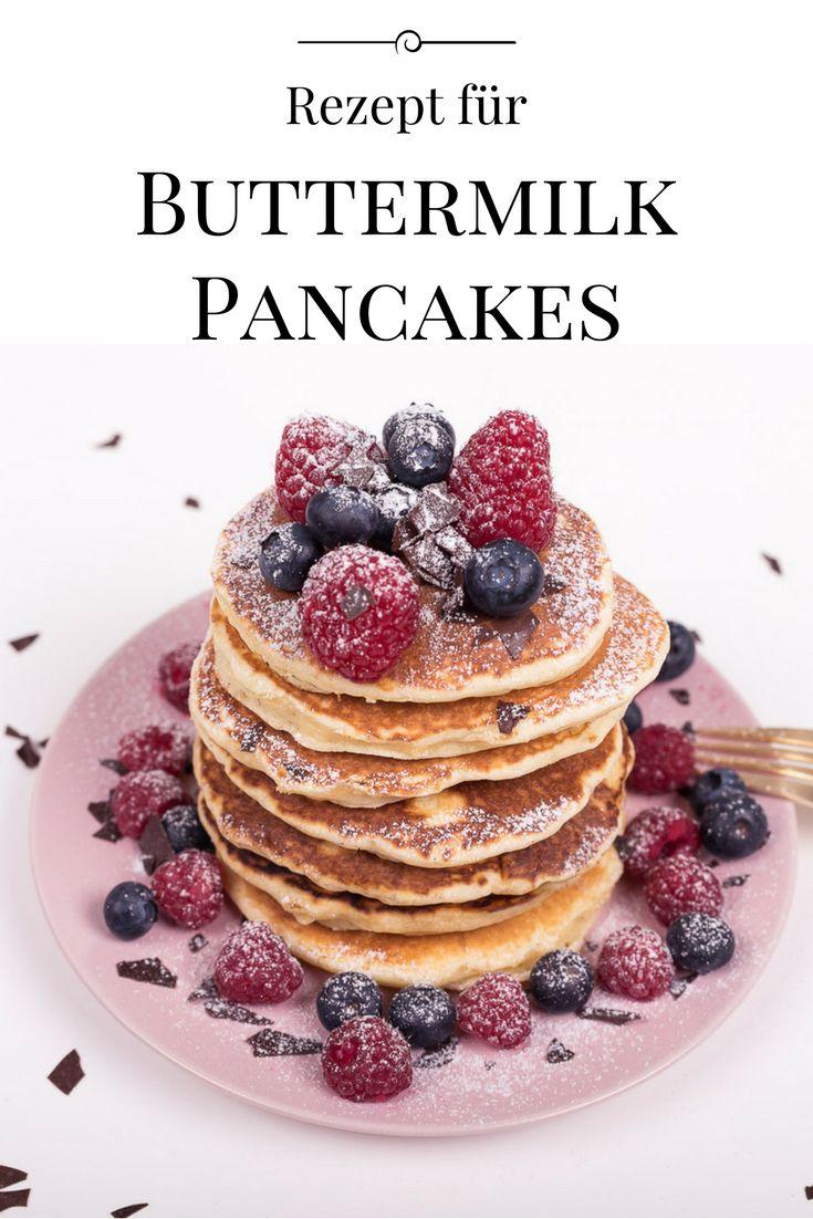 Mein Rezept für Original Amerikanische Pancakes - super fluffig und lecker mit frischen Früchten, Schokoladensplittern und Ahornsirup / Buttermilch Pancakes, Pfannkuchen, die perfekten Pancakes