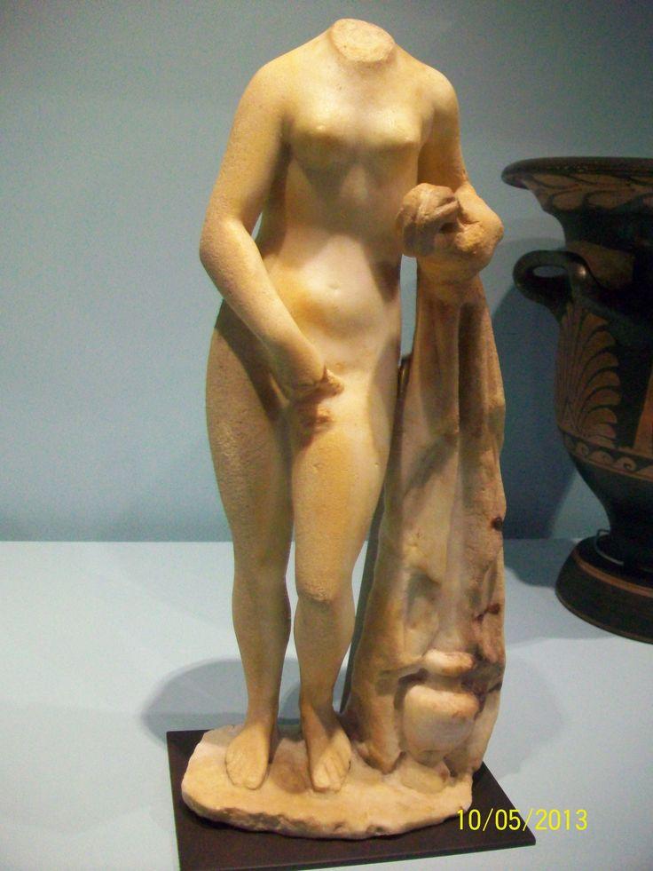 Estatuilla de mármol, siglo IV a.c