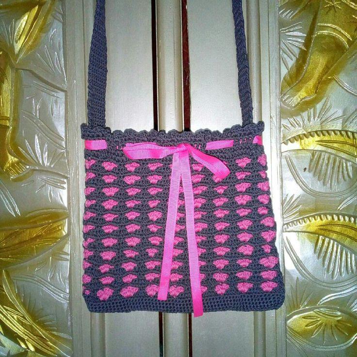 Bag with sweetheart motif #crochetbyself