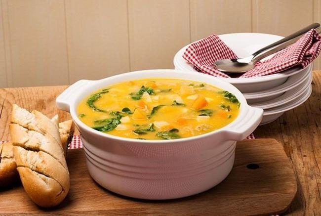 Grønnsaksuppe med spinat