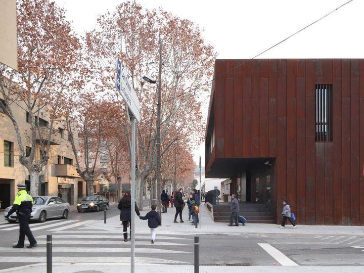Gallery of Police Station in Barcelona / MIZIEN - 3
